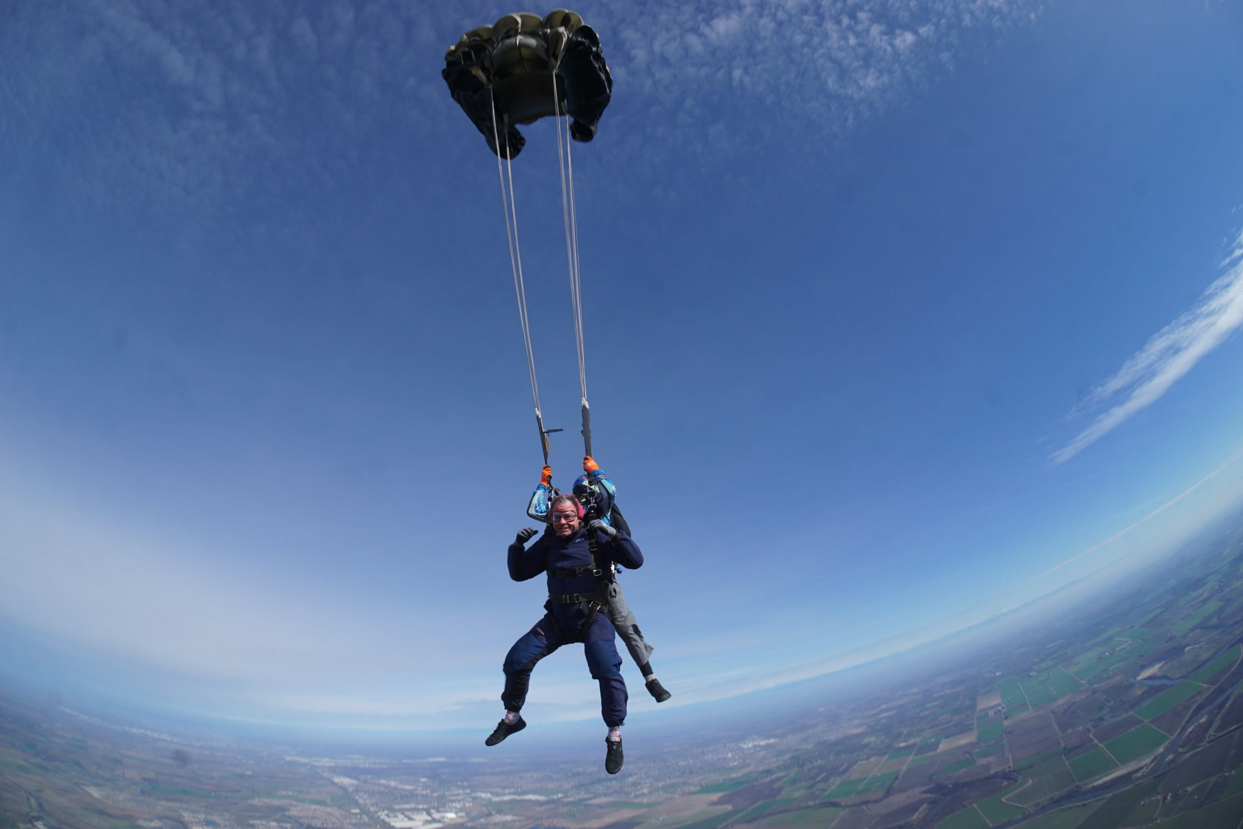 when do skydivers pull the parachute