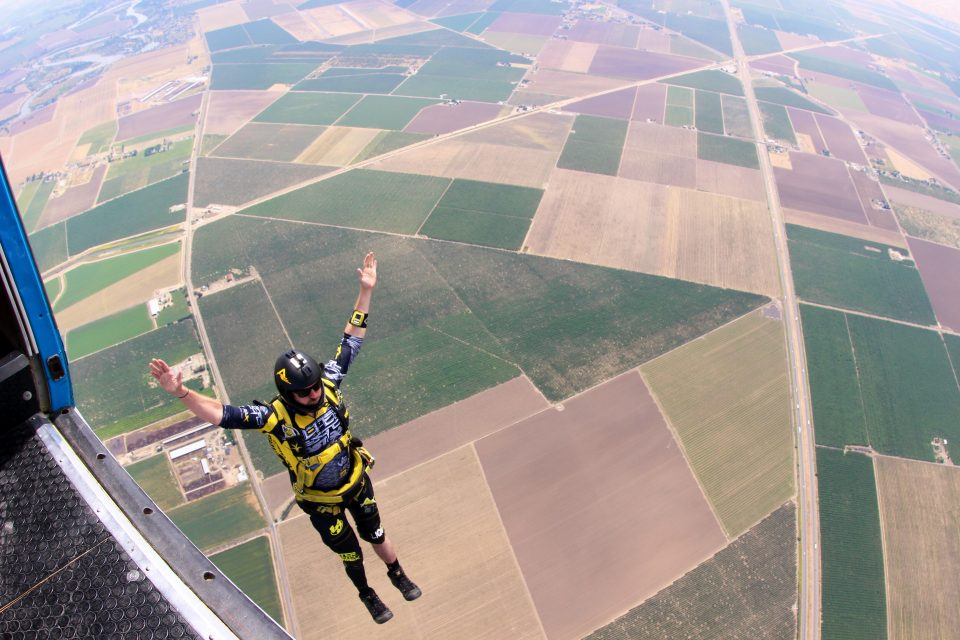 terminal velocity skydiver hop n pop