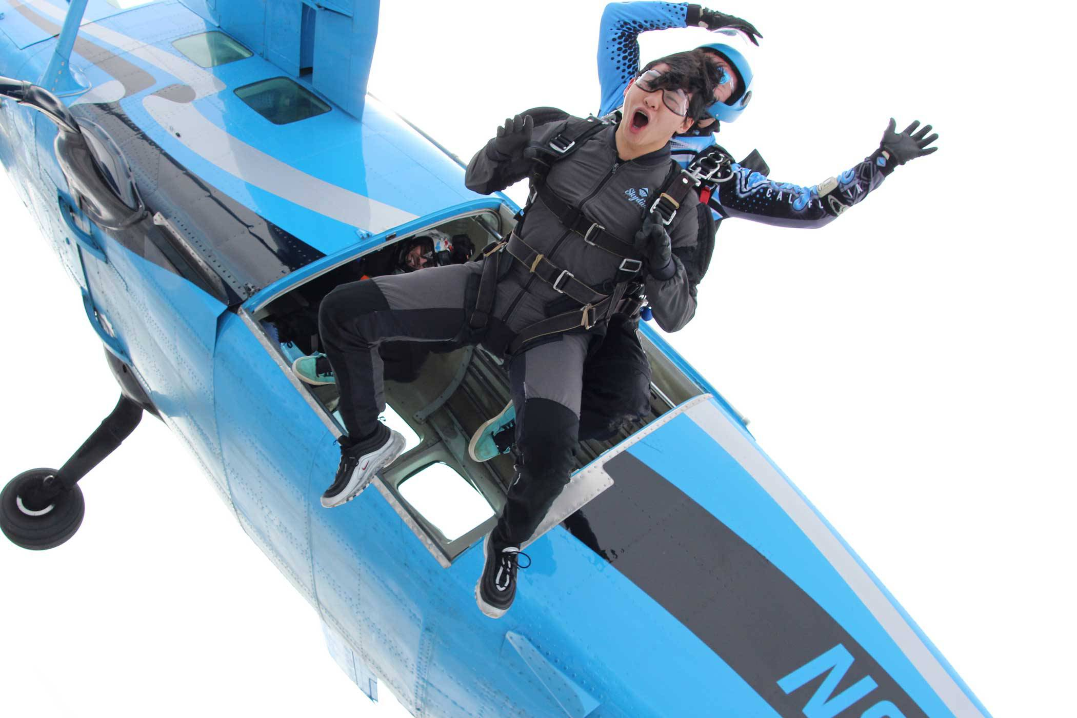 How to Cross Skydiving Off Of Your Bucket List   Skydive California