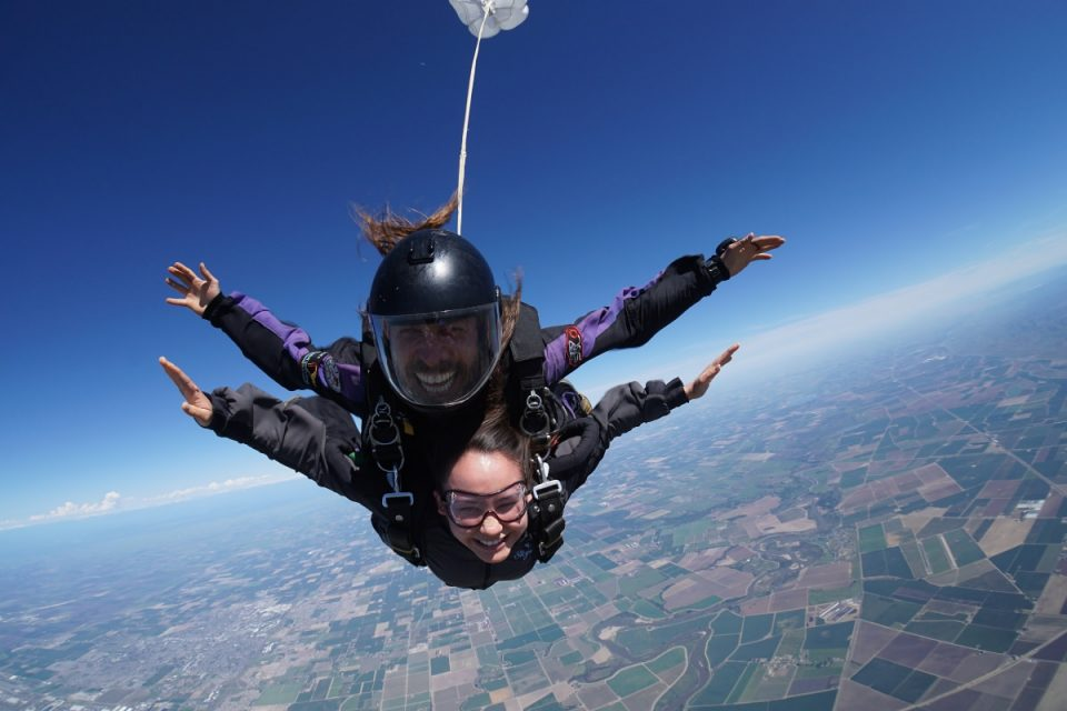 Tandem instructor and student enjoying free fall.