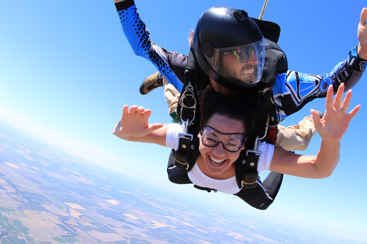 Scared Of Heights But Still Want To Skydive? | EW Process